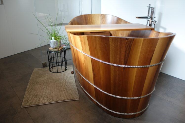 die holzbadewanne balubad. Black Bedroom Furniture Sets. Home Design Ideas