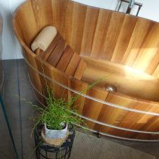 Holzbademöbel Nussholz