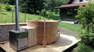 Lächen-Badebottich mit Holzofen!