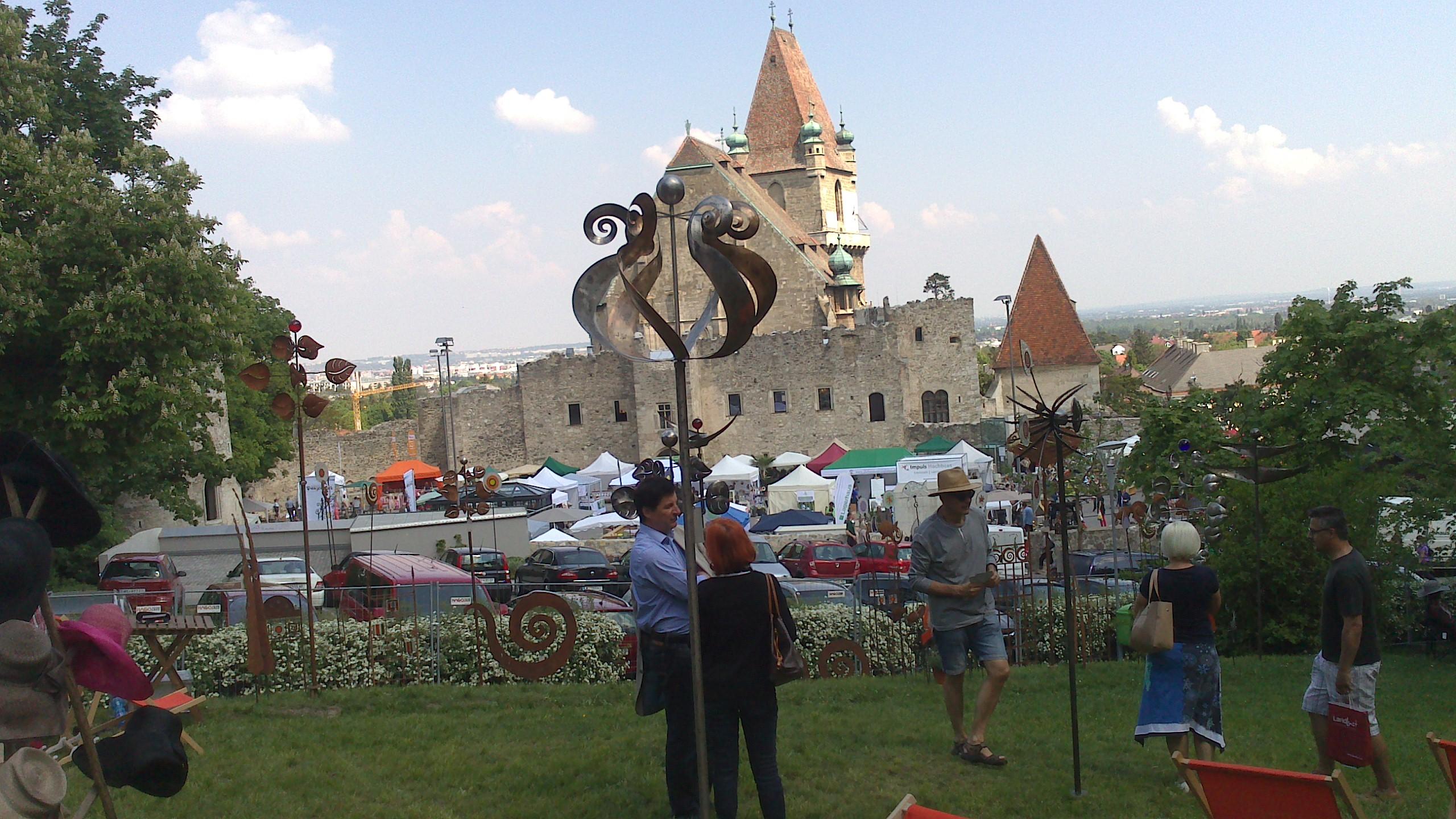 Mai 2014 Gartenfreuden Auf Der Burg Perchtolsdorf Balubad