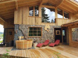 Wildererhütte mit Außenbadewanne!